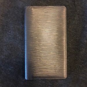 Louis Vuitton Epi wallet NWOT